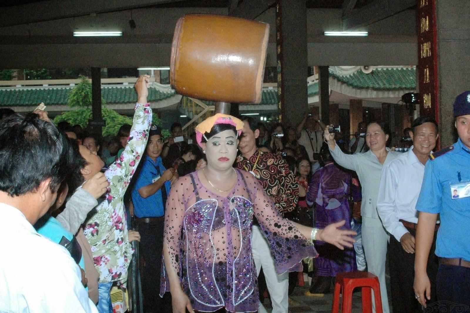 'Loạn thánh, loạn thần' ở Việt Nam tới mức nào?
